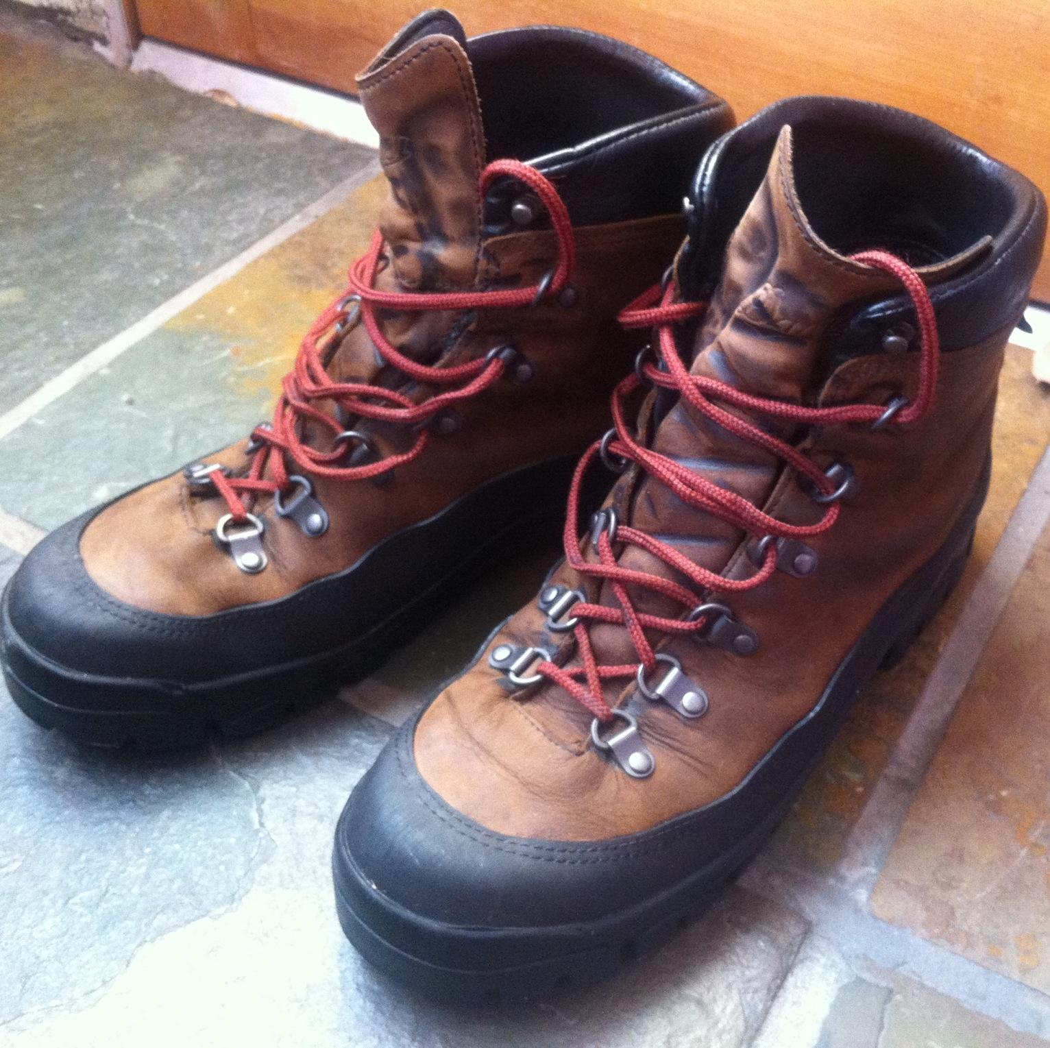 Review: Danner Crater Rim GTX Hiking Boots | deLucasaurus.com